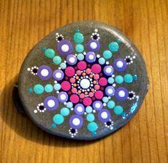 Beach Stone Teal and Pink Mandala Hand por P4MirandaPitrone