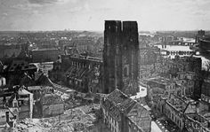 Tak wyglądał Wrocław w 1945 roku [ZDJĘCIA] - Gazetawroclawska.pl Empire State Building, New York Skyline, Travel, Viajes, Destinations, Traveling, Trips