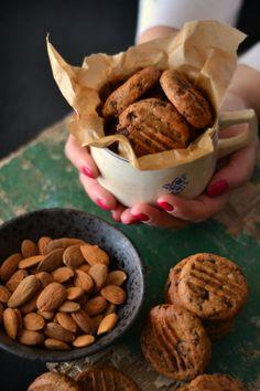 Bolachas de Chocolate com Manteiga de Amêndoa
