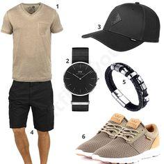Herren-Outfit mit beigem Solid Shirt, Daniel Wellington Uhr, Djinns Cap, Blend Shorts, Halukakah Armband und beige-braunen Supra Schuhen.