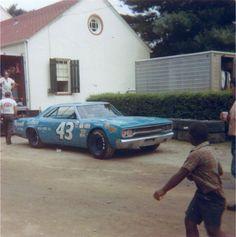 richard petty 1970 roadrunner | Richard Petty Road Runner 1970. #OLDSCHOOLNASCAR