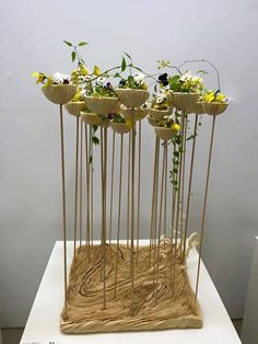me ~ Japan Flower Award 2016 ( NFD) Kyoto. Flora Design, Design Floral, Deco Floral, Arte Floral, Modern Floral Arrangements, Ikebana Arrangements, Table Arrangements, Flower Arrangements, Flower Show