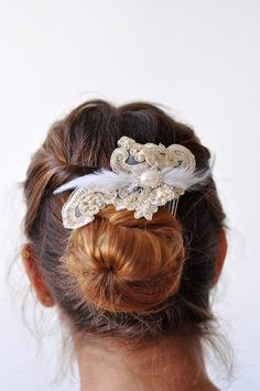 c9e81c817b0 Gold Lace Fascinator Hair Comb With Feather Rhinestone pearls Embellishment  Wedding Bridal Hairpiece