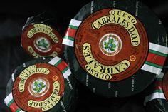 Un lugar de venta y amplia exhibición en la que se dan a conocer la mejor selección de quesos http://blgs.co/s12fEu