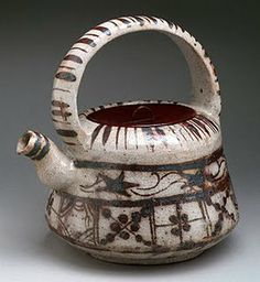 Ewer with Floral and Striped Design. Japan Edo period Stoneware with underglaze iron brown (Mino ware, Shino-Oribe type) Teapots And Cups, Ceramic Teapots, Ceramic Pottery, Pottery Art, Ceramic Art, Pottery Designs, Pottery Studio, Teacups, Japanese Porcelain