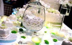 #wedding #weddingcake #allestimentotorta #latorta #torta #tenutalucagiovanni #maglio #maglie #salento #matrimonisalento #matrimonioinsalento #confetti #candy #sugaredalmond #weddingcandy #chocolatealmonds #candybuffets