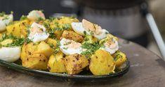 Πατατοσαλάτα με αβγά από τον Άκη Πετρετζίκη! Σας περίσσεψαν πασχαλινά αβγά; Αξιοποιήστε τα και φτιάξτε μια αρωματική σαλάτα από leftovers! Appetisers, Cooking Classes, Potato Salad, Salads, Potatoes, Ethnic Recipes, Food, Gastronomia, Potato