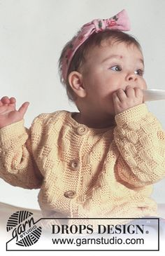 """Miss Sunshine / DROPS Baby - DROPS jacket with square pattern and socks in """"Safran"""". Baby Knitting Patterns Free Newborn, Free Baby Patterns, Kids Knitting Patterns, Knitting For Kids, Free Knitting, Knitting Projects, Drops Design, Baby Design, Tricot Baby"""