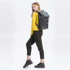 Best Sustainable Backpacks for Outdoor and Urban life - Weekendbee - sustainable sportswear Hand Luggage Size, Rainy City, Back Bag, Urban Life, A Perfect Day, Waterproof Fabric, Hiking Backpack, Digital Nomad, Herschel Heritage Backpack