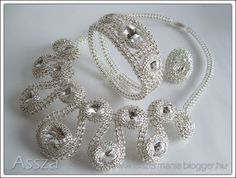 Nyaklánc, karkötő, gyűrű kristályokból   -   Necklace, bracelet, ring crystals