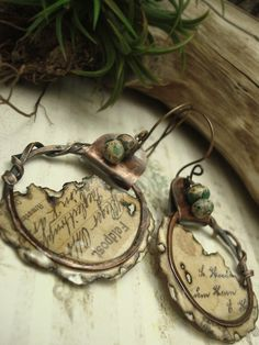 Altered Alchemy, Mixed Media Jewelry by Luthien Thye.  I would make a necklace…