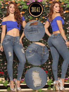 Jeans Levantacola - Ref. 119 -30141 TE PLUS Best Jeans, Nice Asses, Jean Outfits, Denim Jeans, Sexy Women, Capri Pants, Ladies Jeans, Lady, Womens Fashion
