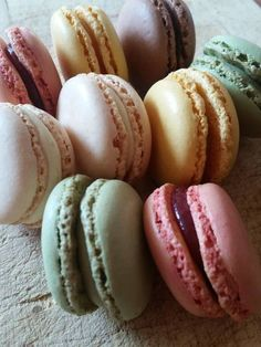 Macarons συνταγή από I❤to Cook by Rania - Cookpad Macarons, Eggs, Cooking, Breakfast, Food, Kitchen, Morning Coffee, Essen, Macaroons