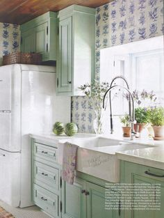 Pistachio colored thinned paint - Benjamin Moore Everglades