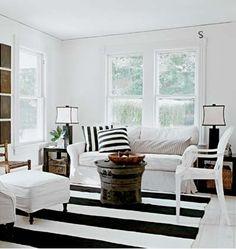 Living room Black + White striped decor