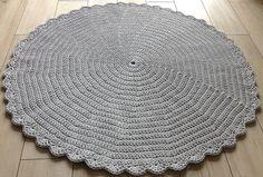 Teppiche - Runde Häkeldeckchen rug 130 cm crochet Teppich - ein Designerstück von CrochetLoveEU bei DaWanda