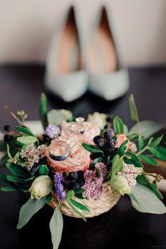 """Организация свадеб студия """"Свадебная Церемония"""" #свадьба #обручальноекольцо #свадебнаяцеремония #свадебныекольца #weddind #weddingrings #love #flowers #weddingshoes #bride"""