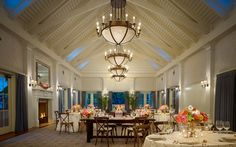 With selections to suit every happy couple, Montage Palmetto Bluff offers wedding venues from contemporary to casual. You and your guests will experience coastal Carolina charm at its finest.