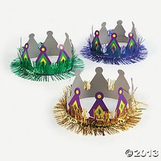 You can be king or queen of the party with these colorful Mardi Gras Crowns! Mardi Gras Hats, Mardi Gras Costumes, Paper Hat Diy, Blog Da Tia Ale, Louisiana Mardi Gras, Masquerade Theme, Sunday School Crafts, Christmas Costumes, Diy Christmas