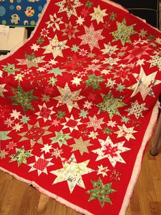 Quilts | Flickr - Photo Sharing! This would make a lovely Christmas quilt.