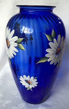 Hand painted large cobalt blue vase with daisies measures Painted Glass Vases, Painted Wine Bottles, Bottle Painting, Bottle Art, Flower Vases, Flower Pots, Asian Vases, Wine Bottle Design, Paper Vase