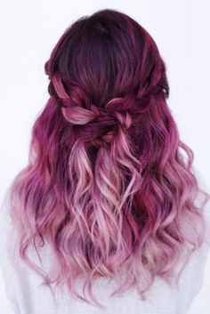 Amazing Purple Ombre Hair Ideas a few years ago, if you thought purple hair … - Hair Women Beauty Magenta Hair Colors, Color Red, Teal Hair, Pink Ombre Hair, Red Ombre, Ombre Colour, Short Ombre, Lilac Hair, Yellow Hair