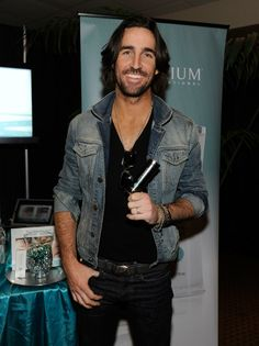 Even Jake Owen is checking out Nerium!   http://www.lisacraig.arealbreakthrough.com