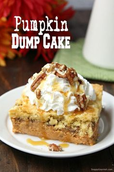 Pumpkin Dump Cake, easy dump cake recipe and cross between pumpkin pie and pumpkin crunch cake. BEST autumn dessert for parties, potlucks, and Thanksgiving! Thanksgiving Desserts, Fall Desserts, Just Desserts, Delicious Desserts, Awesome Desserts, Yummy Treats, Pumpkin Crunch Cake, Pumpkin Dessert, Pumkin Dump Cake