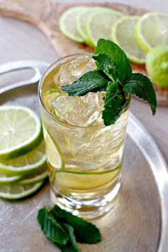 Gin and Ginger Fizz has a hint of lime. Perfect with the ginger beer.