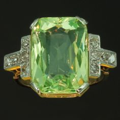 Art Deco diamond ring with big chrysolite