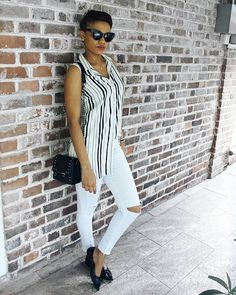 How to wear monochrome, how to wear black and white stripes, How to style white denims, black flat shoes, monochrome styles.