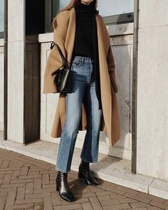 Mantel tragen, Casual Outfit Damen # Casual Outfits going out blouses Mantel Outfit Winter Outfits For Teen Girls, Fall Outfits, Casual Outfits, Cute Outfits, Boot Outfits, Sock Boots Outfit, Winter Boots Outfits, Casual Dresses, Pastel Outfit