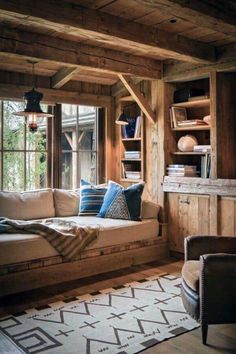 Rustic Log Cabin Interior Design Cabin Interior Design, Interior Design Minimalist, House Design, Modern Cabin Interior, Small Cabin Interiors, Log Home Interiors, Interior Ideas, Chalet Interior, Modern Rustic Interiors