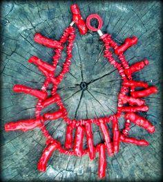 Max colar em coral e metal.Tamanhos personalizados.
