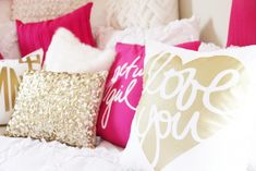 White, pink and gold chic bedroom color scheme. In LOVE