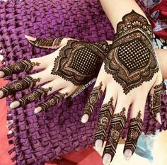 Hi everyone , welcome to worlds best mehndi and fashion channel Zainy Art . Hope You guys are liking my daily update of Mehndi Designs for Hands & Legs Nail . Henna Hand Designs, Mehndi Designs Finger, Wedding Henna Designs, Indian Henna Designs, Mehndi Designs For Girls, Mehndi Designs For Beginners, Mehndi Designs For Fingers, Modern Mehndi Designs, Mehndi Design Photos