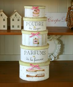 boxes ✿⊱╮X ღɱɧღ Shabby Look, Shabby Chic Pink, Shabby Chic Style, Decoupage Box, Decoupage Vintage, Shabby Vintage, Vintage Hat Boxes, Painted Boxes, Hand Painted