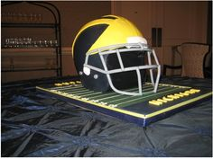 Awesome Michigan Wolverines Football Cake! Go Blue!