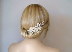 Bridal hair comb. Ivory flower/ pearl hair by ShesAccessories