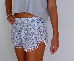 cute pompom shorts...going to search for these in Bali Trendy Outfits, Summer Outfits, Cute Outfits, Fashion Outfits, Summer Clothes, Navy And White, Large White, Toddler Sewing Patterns, High School Fashion