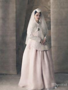 Korean Culture Fashion- Appreciate the Hanbok Korean Traditional Clothes, Traditional Fashion, Traditional Dresses, Korean Dress, Korean Outfits, Korea Fashion, Asian Fashion, Hanbok Wedding, Modern Hanbok