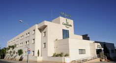 Campanile Alicante Alicante Free private parking and free Wi-Fi are available at the Campanile Alicante.  The hotel is close to El Corte Inglés Shopping Centre, 1.5 km from the beach and harbour.