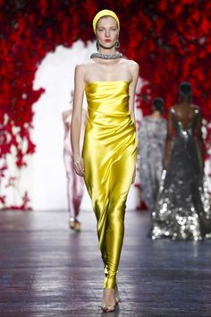 Naeem Khan Fashion Show Ready to Wear Collection Spring Summer 2016 in New York