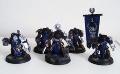 White Hand Command Squad by titan136    Great Conversions    http://i81.photobucket.com/albums/j232/ultramarines/White%20Hands/command_squad.jpg