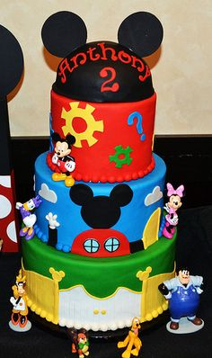 Mickey Mouse Clubhouse Cake by Simply Sweet Creations… Mickey Mouse Clubhouse Cake, Mickey And Minnie Cake, Mickey Mouse Clubhouse Birthday Party, Mickey Cakes, Minnie Mouse Cake, Mickey Birthday, Mickey Party, 2 Birthday Cake, Birthday Ideas