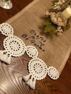 Crochet Table Runner, Crochet Tablecloth, Crochet Doilies, Crochet Home, Crochet Gifts, Crochet Designs, Crochet Patterns, Bed Cover Design, Farmhouse Table Runners