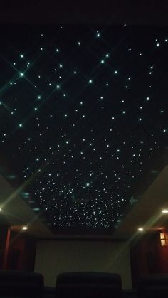 Fiber Optic Panel Star Ceiling Fiber Optic Star Ceiling for media room – Complete step by step tutorial – Heimkino Systemdienste Movie Theater Rooms, Home Cinema Room, Movie Rooms, Basement Movie Room, Small Movie Room, Cinema Room Small, Theater Room Decor, Home Theater Lighting, Theatre Rooms