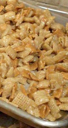 Christmas Crack Recipe ~ It's so good and sure does live up to its name cuz this stuff is addicting! Christmas Crack Recipe ~ It's so good and sure does live up to its name cuz this stuff is addicting! Chex Mix Recipes, Snack Recipes, Cooking Recipes, Candy Recipes, Halloween Fingerfood, Delicious Desserts, Yummy Food, Christmas Cooking, Sandwiches