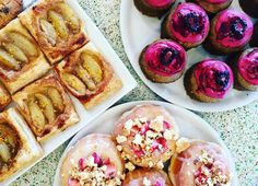 Brown sugar, local honey, market bee pollen and local nectarine tart   Vegan passion Green tea cupcake with blackberry glaze and jam   Sweet milk, macerated berries and milk crumble bronut. #tendergreens #tgpastry #vetan #vegancupcakes #cupcakes #blackberries #local #nectarines #beepollen #honey #bronut #brioche #donut #strawberries ##eatlocal #eatla #dinela #eatdessertfirst #happysaturday