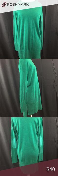 """DKNY SWEATER Front Shoulder to hem 30"""" Back Shoulder to hem 33"""" jewel neckline. Tunic style. DKNY Sweaters"""